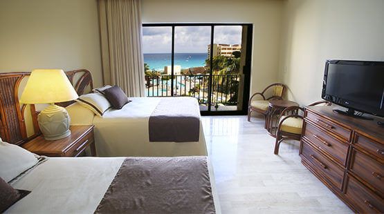 suite in Cancun with ocean view