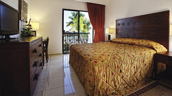 Fully equipped beachfront villas in Cancun