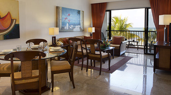 beachfront suites in cancun