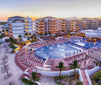 Magnificent and luxurious 5-star resort located on a spectacular Hotels of Puerto Morelos