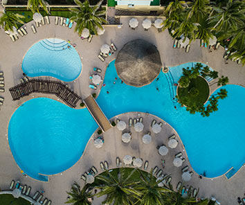 Beautiful and warm 4-star resort located in front of the beautiful beaches of Cancun's Hotel Zone
