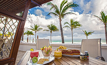 luxury resort in Riviera Maya with snack bar