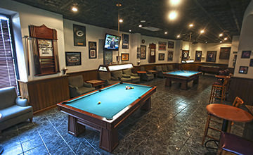 sports bar and karaoke with pool tables in Cancun Resort