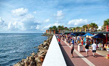 Curacao beach boulevard to go shopping