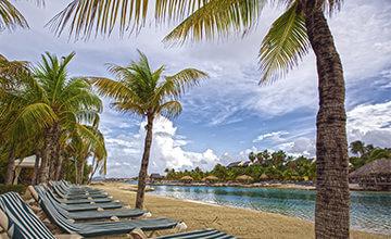 beach of Curacao resorts
